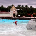 Golven in het grote zwembad