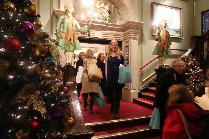 Shoppen bij Fortnum and Mason in Londen