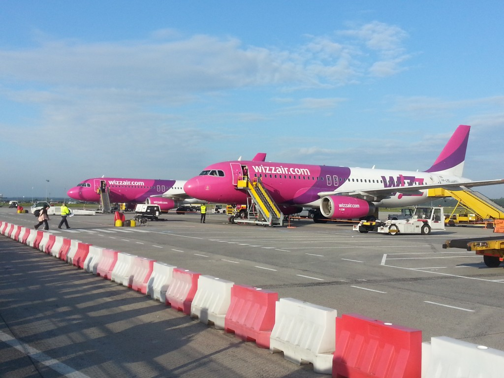 Wizz Air vliegtuig op Eindhoven