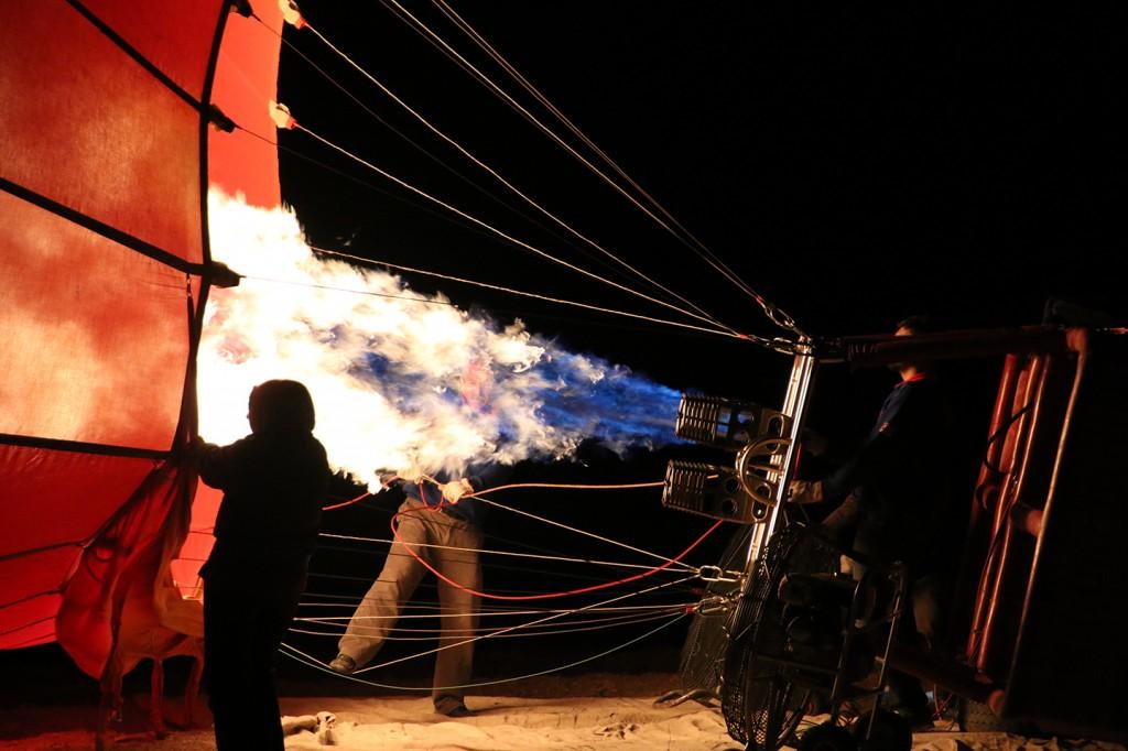 Opwarmen van de heteluchtballon