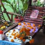 """Opgemaakte tafel voor """"Dia de los Muertos"""" (dag van de doden)"""