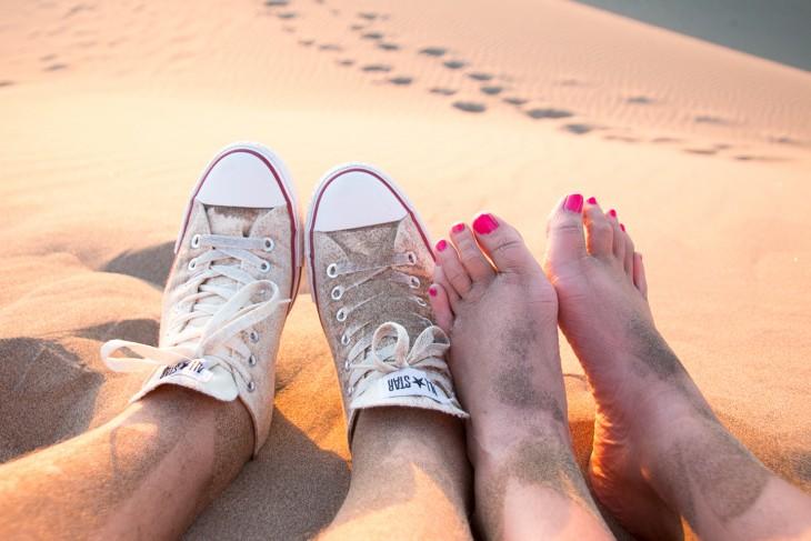 Onze voeten in het zand