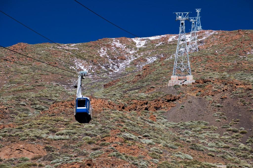 De kabelbaan was gesloten vanwege de sneeuw