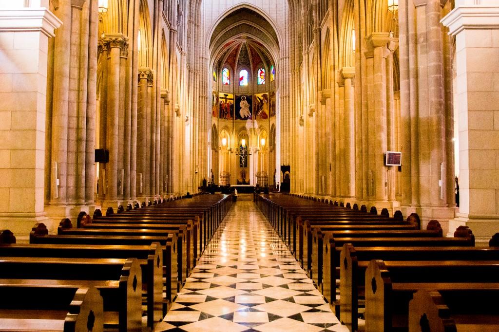 Binnenin de mooie kathedraal