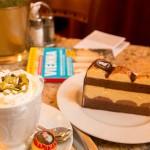 Koffie en overheerlijke sachertorte eten in Wenen