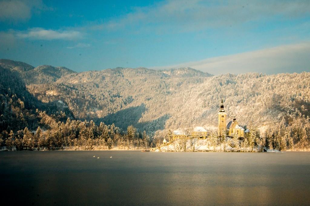 Maria Hemelvaartskerk in het meer van Bled