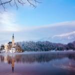 Maria Hemelvaartskerk in het meer van Bled, Slovenië