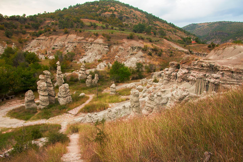 """De """"stone dolls"""" bij Kuklica"""