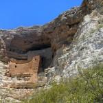 Uitgehakte woningen in Montezuma Castle