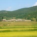 Landschap met hutjes in Noord-Korea
